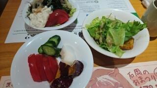 茨城マルシェの野菜ブッフェ.jpg